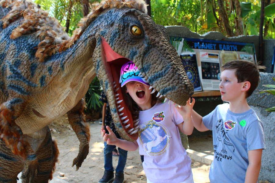 Velociraptor di langkawi crocodile farm