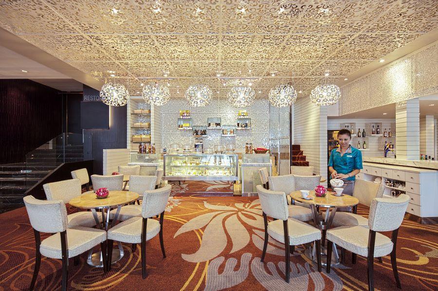 lobby bistro di hotel grand millenium