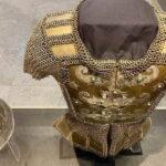 artifak muzium kesenian islam baju besi