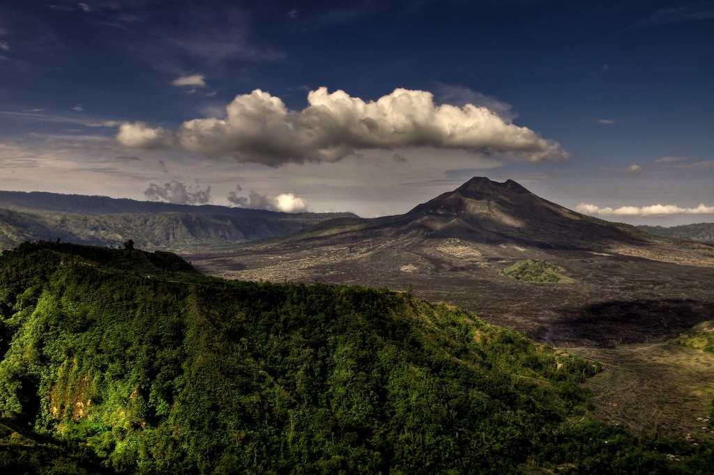 Gunung Batur - tarikan alam di Bali