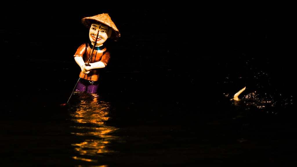 boneka air - tarikan best ho chi minh vietnam