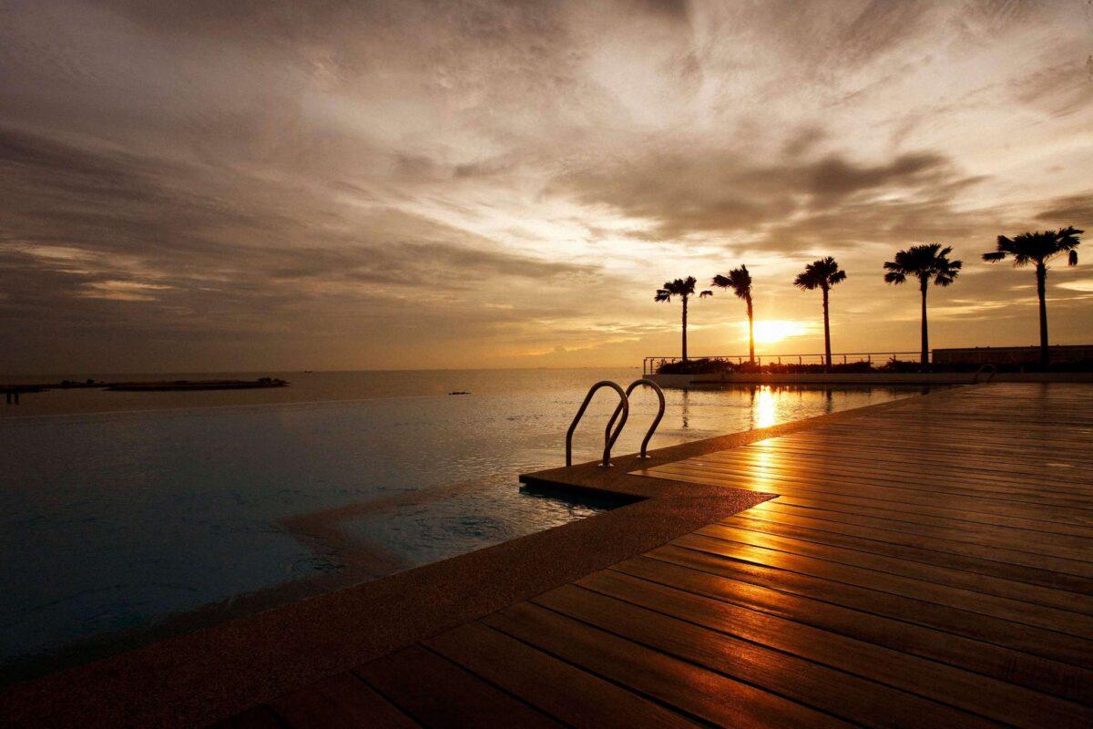 Holiday Inn - hotel paling best di melaka
