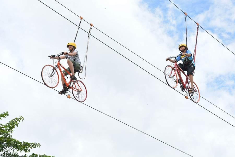 anda juga boleh layan skybike dengan tiket langkawi adventure & extreme park anda