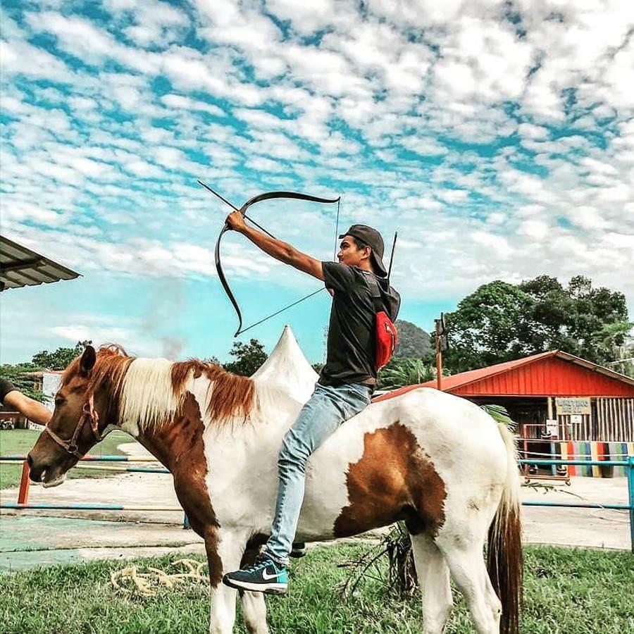 naik kuda di langkawi adventure park