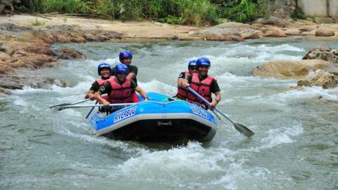 white water rafting sungai kampar