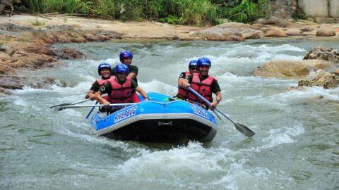 white water rafting sungai kampar