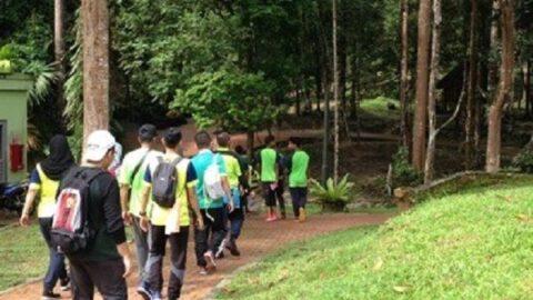 jungle trekking taman botani shah alam