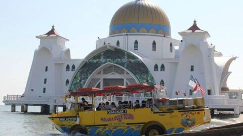 melaka duck tours going up the ramp in masjid selat