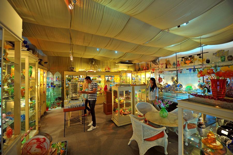 showroom di faizy crystal