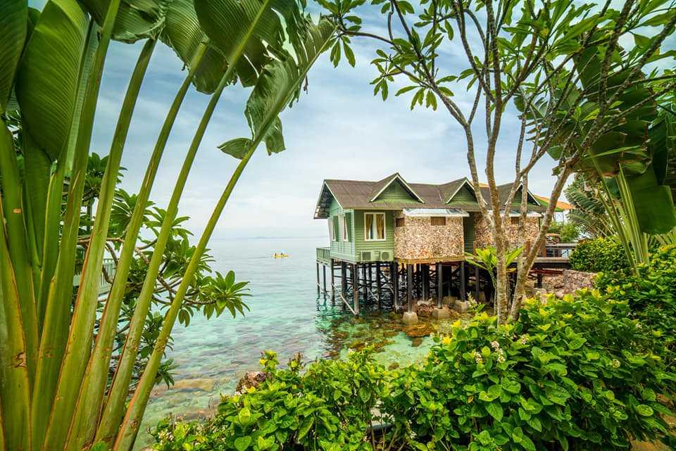 Antara penginapan menghadap laut di Rawa Island Resort