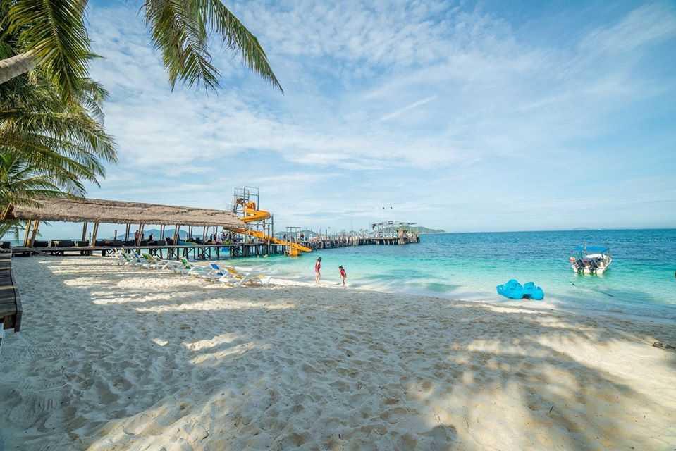Pemandangan dari Rawa Island Resort
