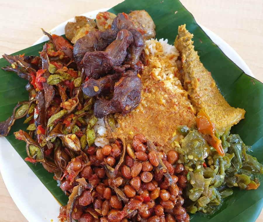 kedai makan best kat kampung baru termasuk kedai nasi padang ini