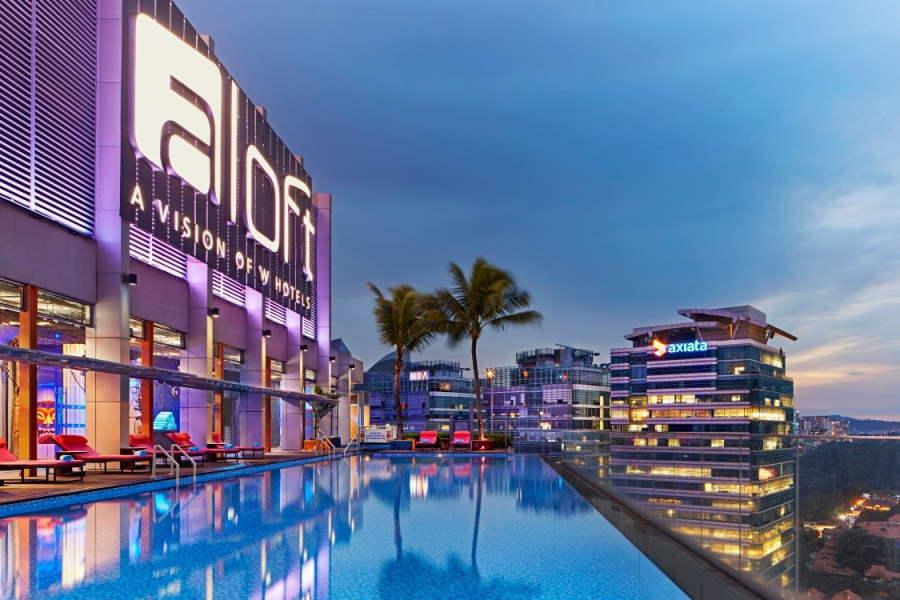 pool di aloft kl sentral yang dekat dengna nu sentral shopping mall