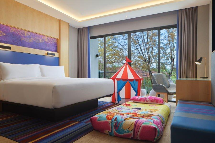 bilik di aloft dengan khemah anak - memang best untuk cuti dengan anak di langkawi